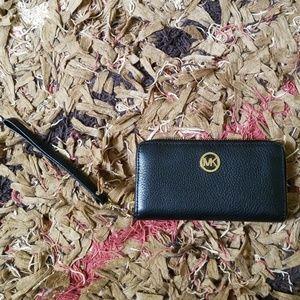 Michael kors genuine leather wallet